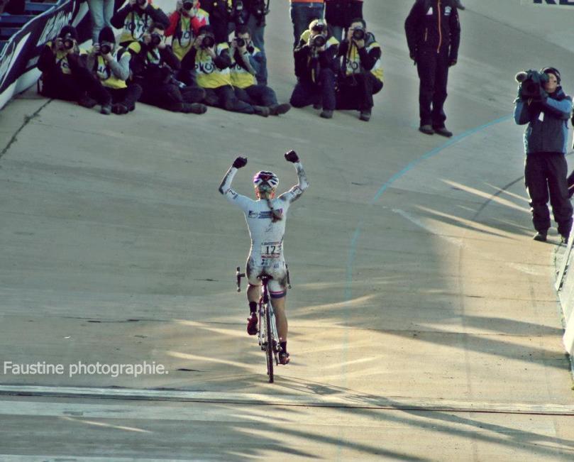 Demain, dernier épisode de notre semaine spéciale Cyclisme Féminin avec du cyclo-cross / Photo : Faustine Quièvre (http://www.facebook.com/pages/Faustine-Photographie/338048942894655?fref=ts)