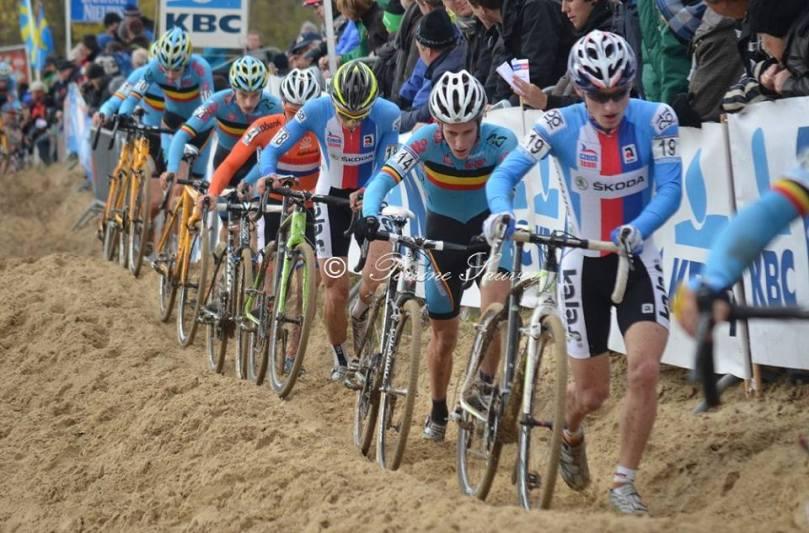 A Koksijde, les coureurs se retrouvent vite à pied