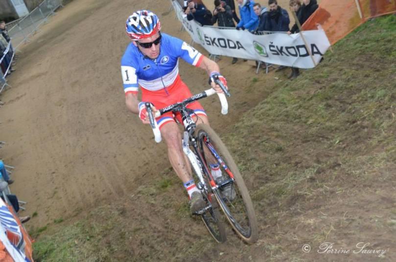 Francis Mourey est rarement contrarié sur les cyclo-cross nationaux. @Photo : Peririne Sauvey
