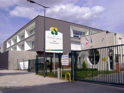 Le Lycée François Arago de Reims reçoit plusieurs coureurs de haut niveau.