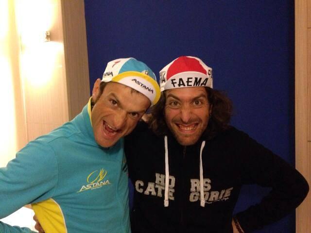 Barnabé en compagnie de Michele Scarponi pour une photo digne des casquetteurs !