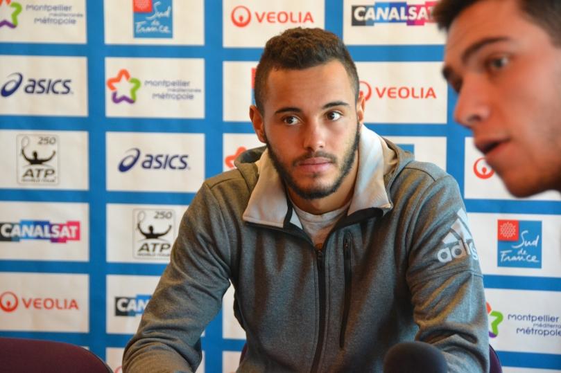 Très sollicité par la presse depuis Roland Garros 2014, Laurent Lokoli s'est prêté au jeu des journalistes / ©Tyfenn Corvellec